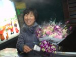 The Itaewon flower lady dropped in to see what we're cooking